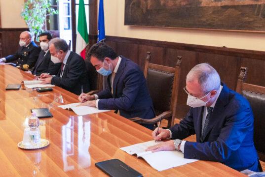 Firmato contratto Hub Portuale Ravenna_Presidente Daniele Rossi_ uomini e imprese